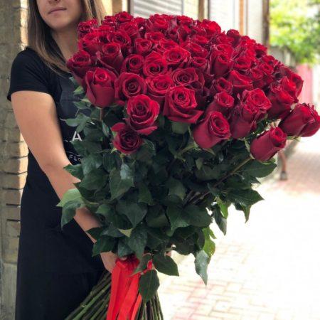 Букет 25 (розы 100 см 69 штук)